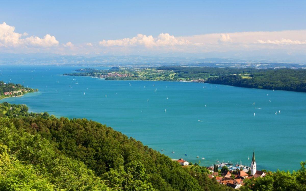 Bodensee mit Alpen