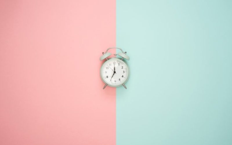 alarm-clock-art-background-1037993