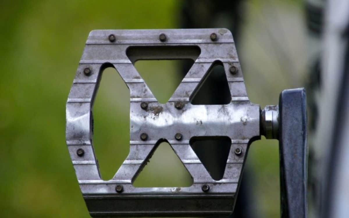 bicycle-bike-blurred-background-209239